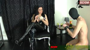 Sklavenmast bei dürrem Botton von Lady-Latoria