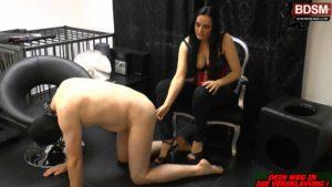 Strafe Ass2Mouth für Sklaven von Lady-Latoria