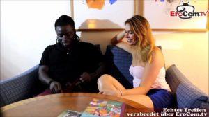 Junge Pornodarstellerin Ani Black Fox Casting