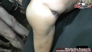 Zwei Schwänze ins Maul von StacyLou bei Sexparty