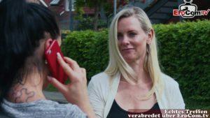 Lesbische Milf will Anal Verkehr mit fremdem Mann