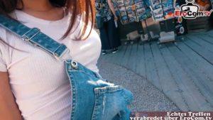 Junge Touristin Nata Ocean von Yankee abgeschleppt