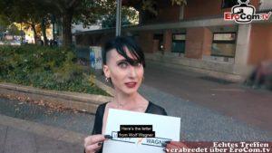 Süße Punkerin Lou Nesbit macht Blinddate ohne Gummi
