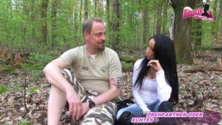 Fick date im Wald wird ein Flopp und Reinfall